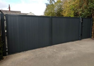 Black Cantilever Sliding gate